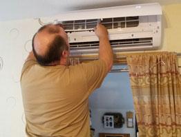 Installation kleiner Klimaanlagen